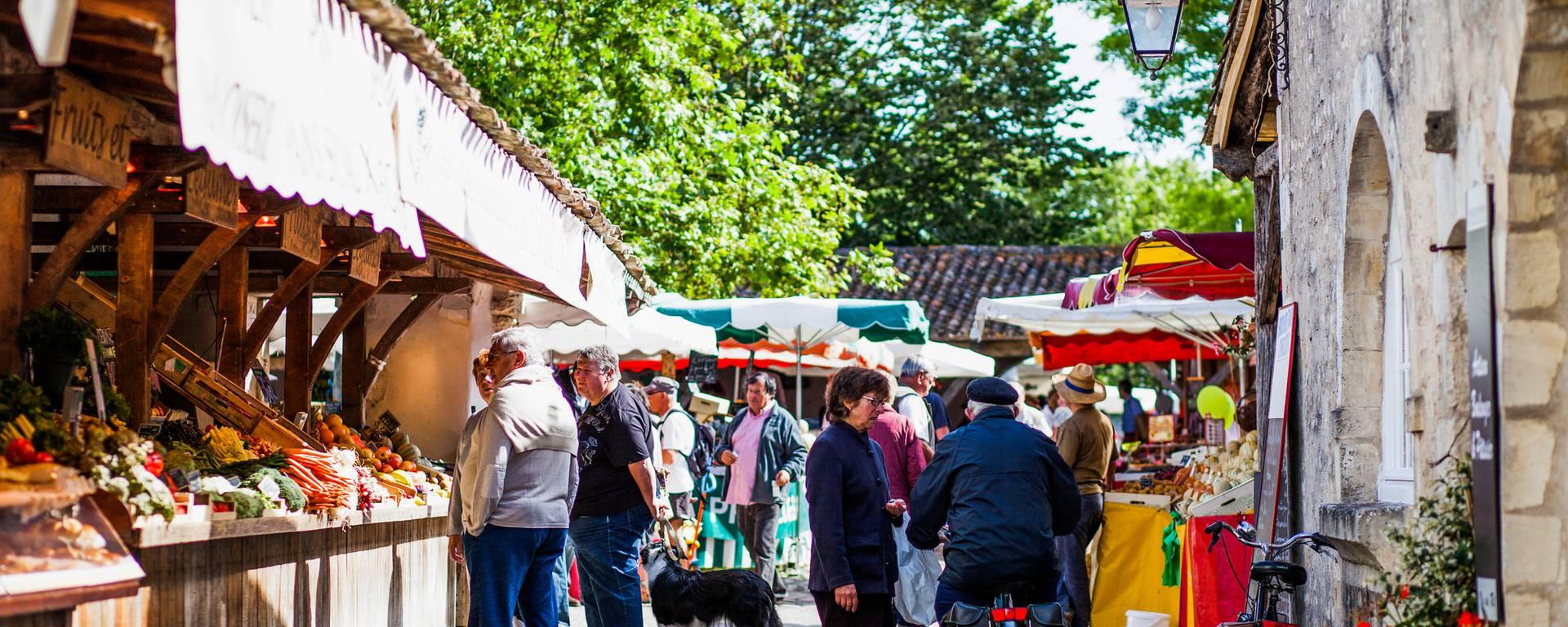 Market of La Flotte