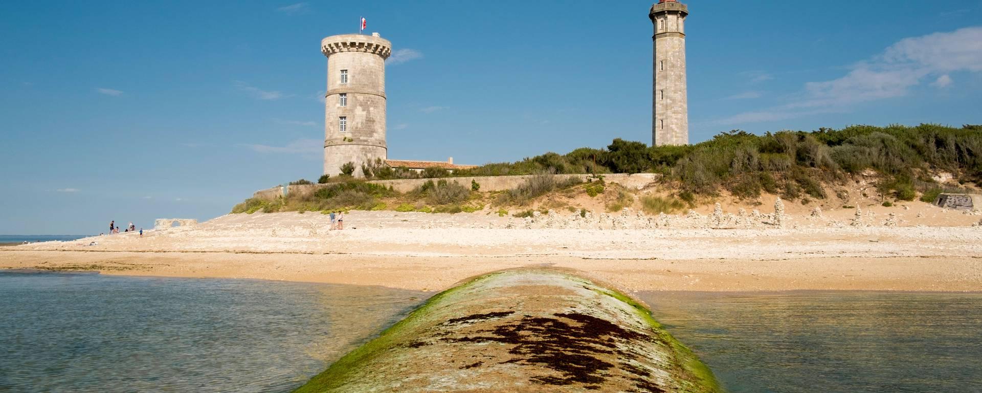 Le Phare des Baleines et la Tour des Baleines à saint-Clément-des-Baleines