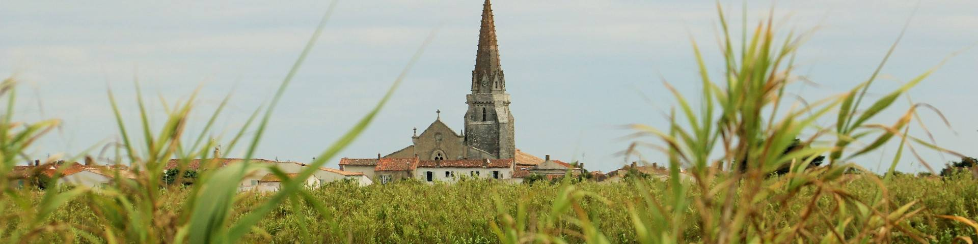 Saint-Marie-de-Ré Church by Lesley Williamson