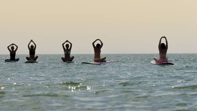 Sup Yoga by Yann Werdefroy