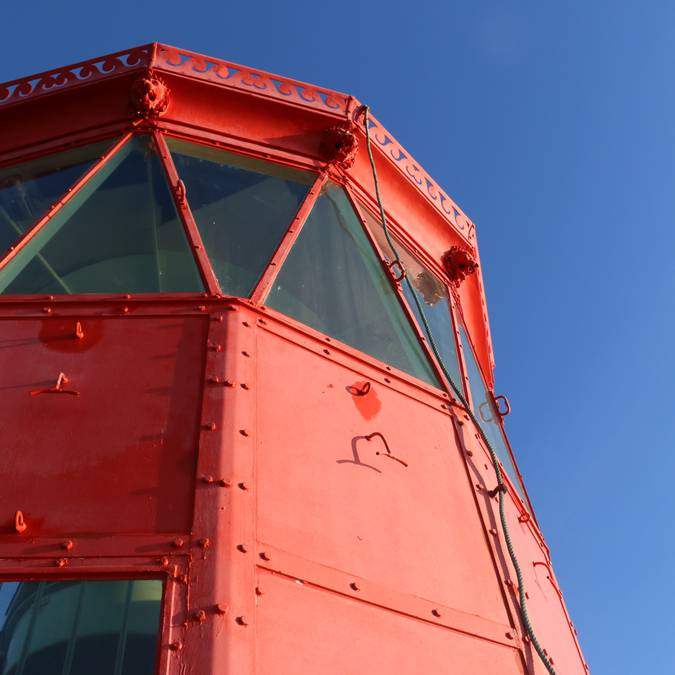 Red lighthouse ©Lesley Williamson